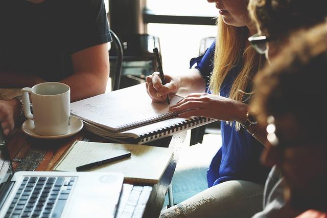travailler ensemble et en collectif developpe l'autonomie